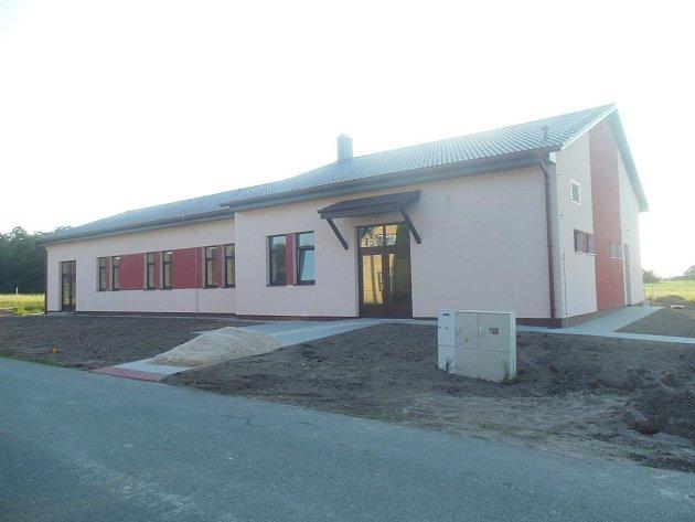 V Přelovicích otevřeli nový společenský dům.