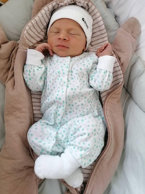 Benjamin Rehn se narodil 19. 9. 2021. Vážil 3540 g a měřil 52 cm. Šťastní rodiče Jiří Rehn a Soňa Tomková jsou z Chrudimi. Foto: rodina