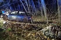 Při nárazu motor odlétl mimo vozidlo.