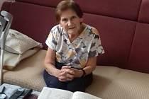 Marie Burešová může žít doma a je spokojená.