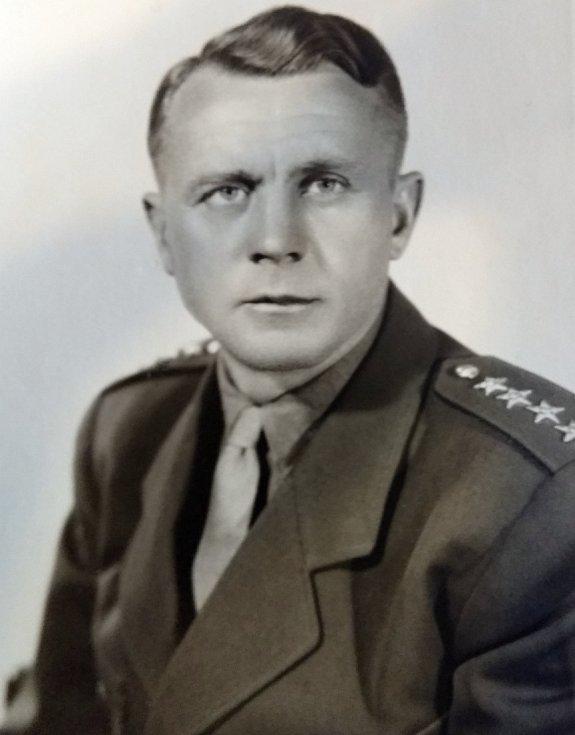 PROTI SVÉ VŮLI se stal Jiří Zástěra vojákem z povolání.