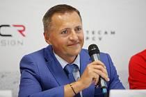 Petr Dědek na tiskové konferenci HC Dynamo Pardubice.