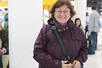 S Jiřinou Vackovou, senior asistentkou Pardubického deníku, jsme se zúčastnili Vánočního  jarmarku školy Svítání v pardubickém Atrium Paláci.
