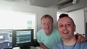 Ve studiu s úspěšným producentem Mikem Moranem.