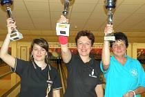 Stupně vítězů v kategorii žen: Zleva: Sabina Mišková (Česká Lípa) ; Blanka Hanusíková (Jaroměř) ; Sylva Šlechtová (Hradec Králové)