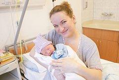 OLIVER NOVÁK se narodil 14. března v 19 hodin a 28 minut. Měřil 50 centimetrů a vážil 3400 gramů. Maminku Mariannu podpořil u porodu tatínek David. Doma v Pardubicích na nového sourozence čeká dvouapůlletý Gabriel.