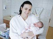 EMILY ZAJÍČKOVÁ se narodila 14. února v 16 hodin a 14 minut. Měřila 51 centimetrů a vážila 3110 gramů. Maminku Danu podpořil u porodu tatínek Miroslav. Rodina bydlí v Pardubicích.