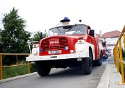 Součástí oslav byla i velkolepá přehlídka hasičské techniky