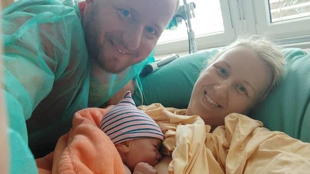 Gabriela Živná se narodila 23. 9. v porodnici v Ústí nad Orlicí. Velikou radost udělala rodičům Markovi a Tereze, pro které je prvním dítětem. Rodina bydlí v Těchoníně. Foto: rodina