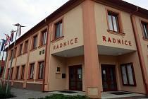 Sezemické konzultační středisko polské univerzity mělo své oficiální sídlo na úřadě.