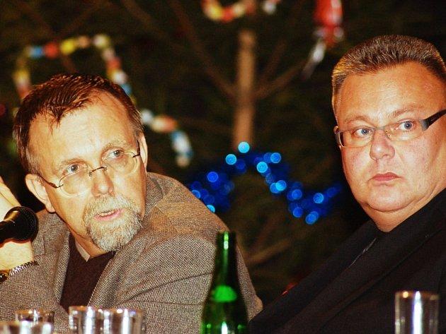 Hejman Pardubického kraje Radko Martínek (vlevo) a poslanec Miroslav Váňa