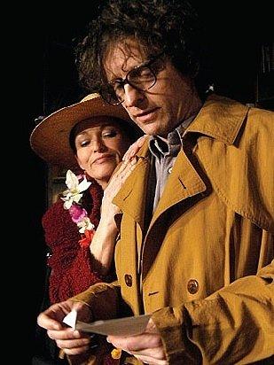 Herec David Prachař s kolegyní Valérií Zawadskou v komedii Druhá kapitola, s kterou zavítali do Východočeského divadla v Pardubicích.