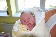 Tobiáš Fibiger se narodil 6. září ve 14:15 hodin. Měřil 51 centimetrů a vážil 3800 gramů. Maminka Adéla a tatínek Marek jsou z Pardubic