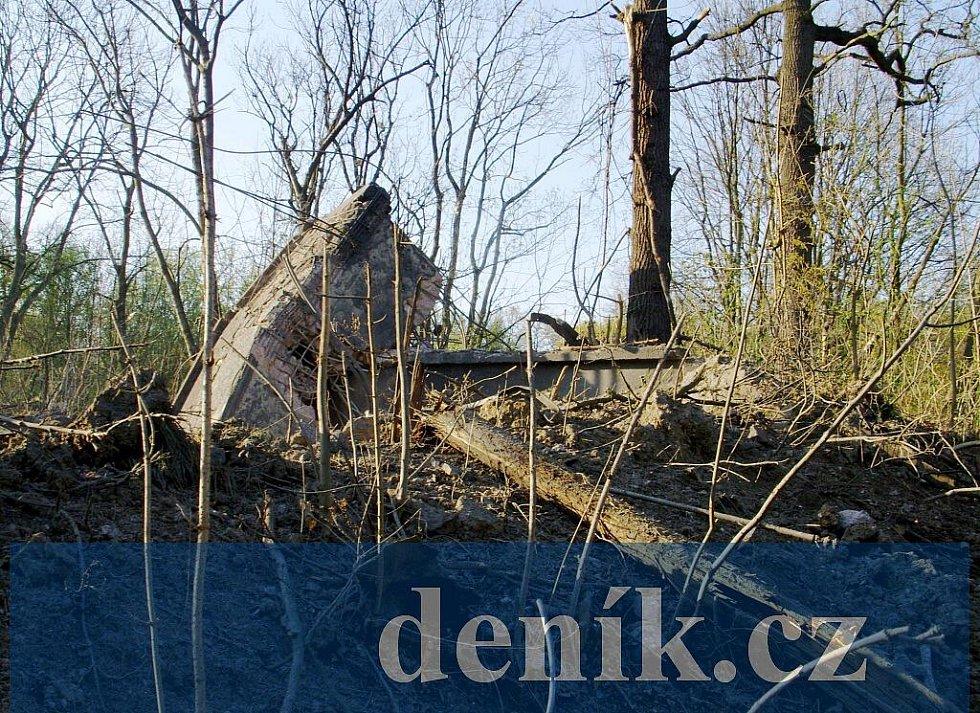 Stropní část betonového bunkru budovy A-55