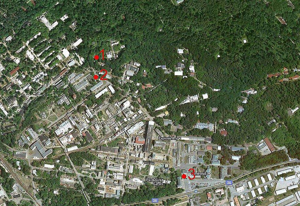 Situační mapa semtínské chemičky. Bod č. 1 - Bunkr A-55, místo výbuchu, Bod č. 2 - Budova M-43, vrátnice k úseku výroby trhavin, Bod č. 3 - Hlavní brána firmy Semtín