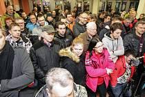 Tradiční Diskuzní kotel mezi představiteli HC Dynamo Pardubice a jejich fanoušky v předsálí pardubické ČSOB pojišťovna ARENĚ.