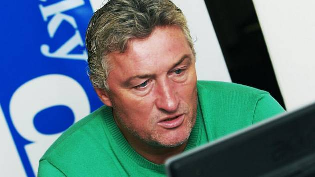Trenér pardubických hokejistů Miloš Říha při on-line rozhovoru