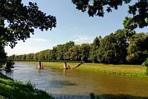 Most na kraji Přelouče
