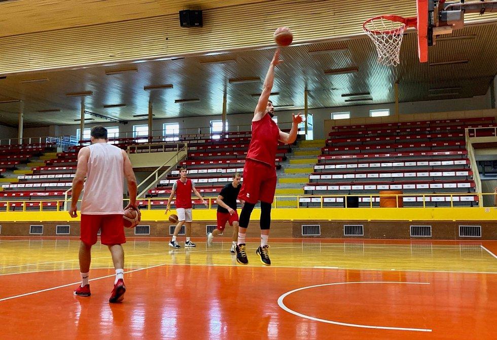Basketbalisté Beksy začali přípravu