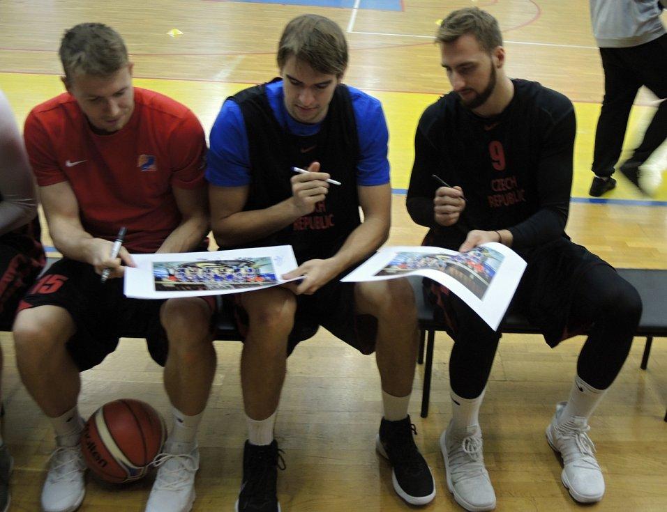 Autogramiáda basketbalistů ČR