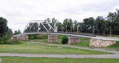 Nový most ve Valech bude, petice Mělických nepomohla .