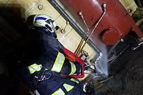 Náročný zásah hasičů a následná škoda vyčíslena na 200 korun