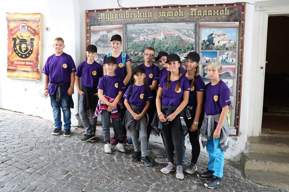 Děti z Přelouče pozvali hasiči na Ukrajinu.