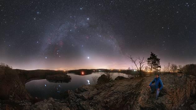 Zpráva z přírody. Snímek vyfocen v březnu na sečském Ohebu.