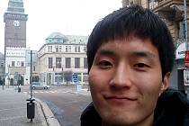 Mladý jihokorejský cestovatel Bokki v Pardubicích
