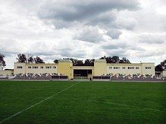 Fotbalový stadion v Holicích