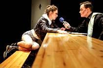 Ženy a pivo. Premiéra hry na Malé scéně Východočeského divadla Pardubice.