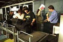 Odbavení zavazadel na letišti v Pardubicích
