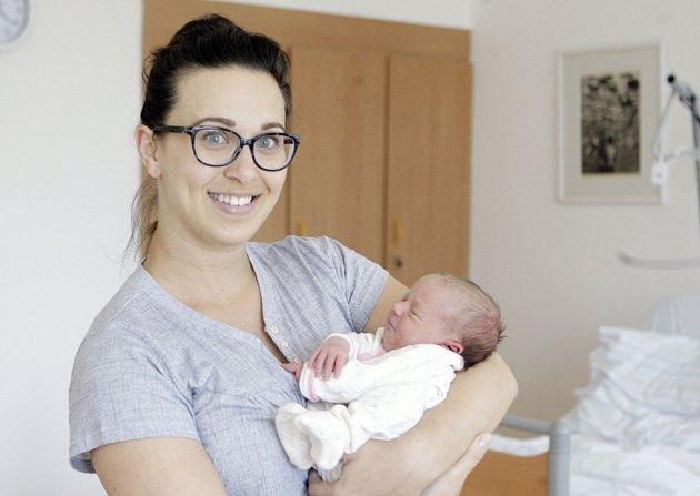 ANETA FORMÁNKOVÁ se narodila 30. května v 1 hodinu a 30 minut, vážila 3200 gramů. Rodiče Petra a Petr bydlí v Kunčí.