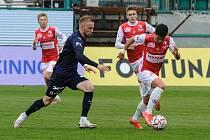 Fotbalisté Pardubic v minulém týdnu zaskočili v Ďolíčku Slovácko, dnes nastoupí proti Spartě.