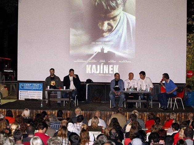 Čtvrteční premiéra filmu Kajínek s účastí jeho tvůrců v letním kině Konopáč u Heřmanova Městce