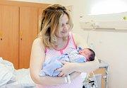 PETR VOGL se narodil 4. dubna ve 21 hodin a 21 minut. Vážil 3110 gramů a měřil 46 centimetrů. Maminku Václavu podpořil při porodu tatínek Petr. Bydlí v Doubravicích.