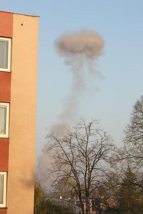 Po výbuchu byl vidět nad Semtínem i mrak.