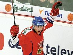 DALŠÍ SKOK V KARIÉŘE. Na jaře Tomáš Nosek hrál za Pardubice a bojoval o mistrovství světa, teď se pere na nováčkovském kempu v Detroitu.