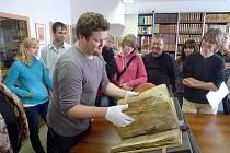 """OPATOVIČTÍ měli možnost spatřit """"svůj"""" misál. Jde o vzácnou knihu, která pochází z doby kolem poloviny 14. století."""