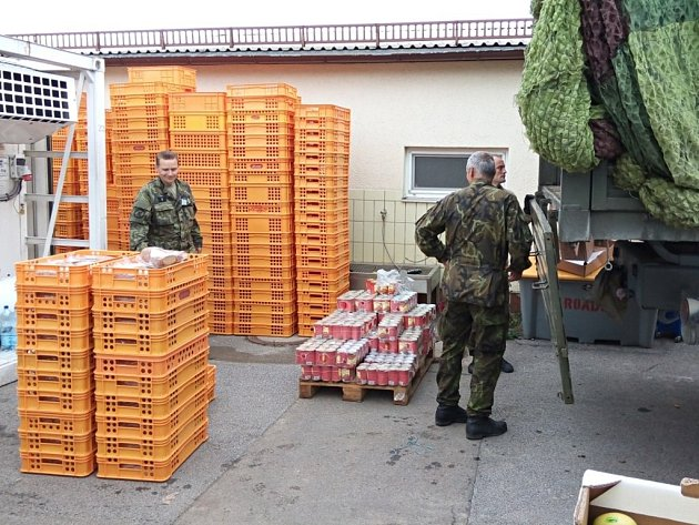 Cvičení Saber Junction 2014 v německém Hohenfelsu se účasntí na 700 českých vojáků. Mezi nimi jsou i příslušníci pardubického 14. pluku logistické podpory.