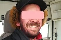 Až ve druhé polovině března se povedlo strážníkovi odhalit identitu bulharského bezdomovce.