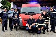 """Sezemičtí hasiči přebrali nového """"Soptíka"""". Dodávkový automobil, který bude sloužit jim i městu."""
