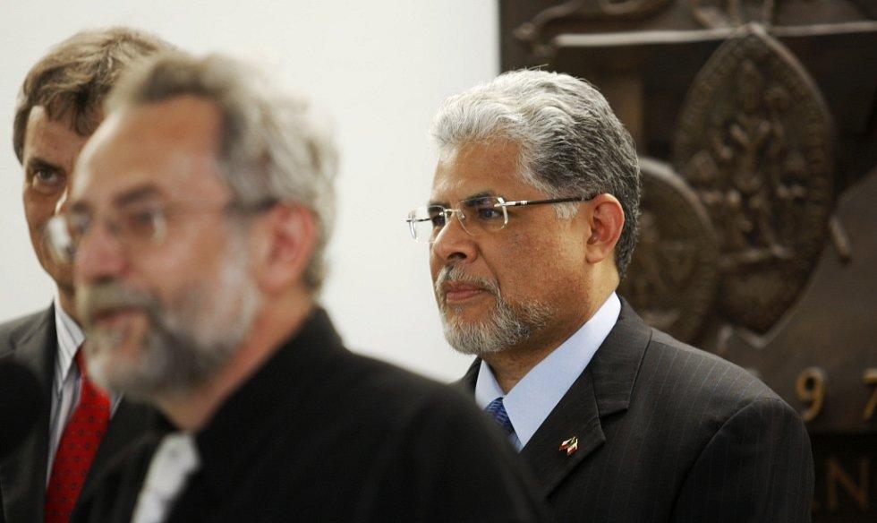 Velvyslavnec Mexika José Luis Bernal zavítal na pardubickou univerzitu na prezentaci knihy Dějiny Mexika