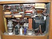 Pohled do útrob radiostanice.