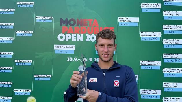 Tenista Filip Misolič, vítěz turnaje Moneta Pardubice Open 2021
