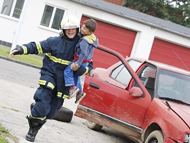 Kdo chtěl, mohl si vyzkoušet práci záchranáře