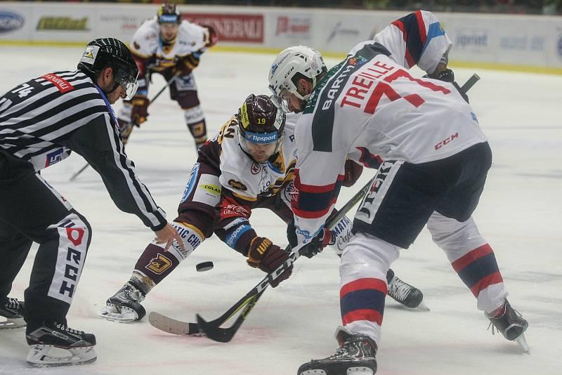 Zápas 19. kola hokejové extraligy mezi HC Dukla Jihlava a HC Dynamo Pardubice.