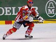 Dominik Hašek v šatně Rudých křídel.