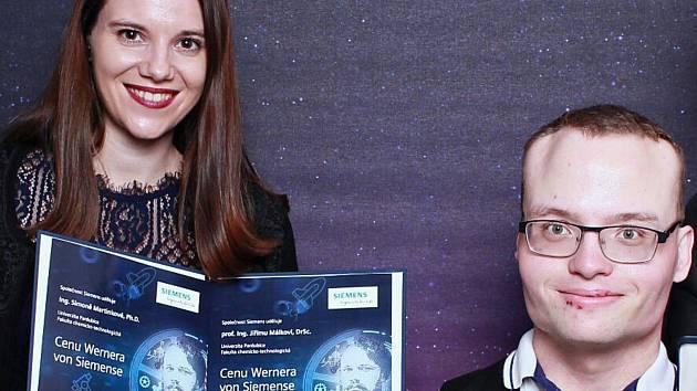 Studenti pardubické univerzity Simona Martinková a Ondřej Mach si odnesli prestižní Ceny Wernera von Siemense.