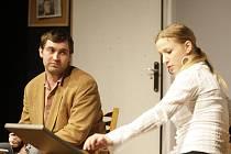 V pardubickém Divadle 29 byla v doprovodném programu Grand Festivalu smíchu k vidění také inscenace olomouckého Divadla Tramtárie. V roli Jiřího Mizery se divákům představil Marian Zedník, postavu Janiny ztvárnila Dagmar Rybářová.